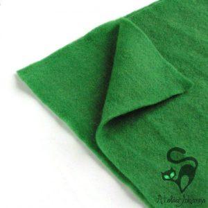 trávově zelená