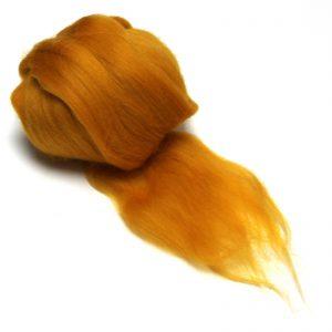 medově žlutá