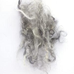 lokny vlny šedivé